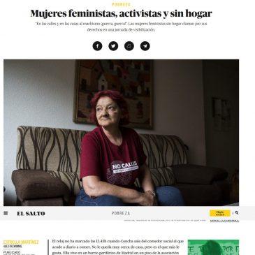 """Mujeres feministas, activistas y sin hogar: """"En las calles y en las casas al machismo ¡guerra, guerra!""""."""