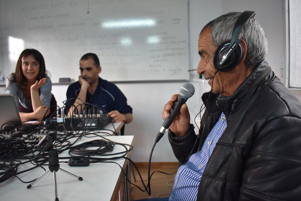 Participantes del taller de radio en Onda Realidades